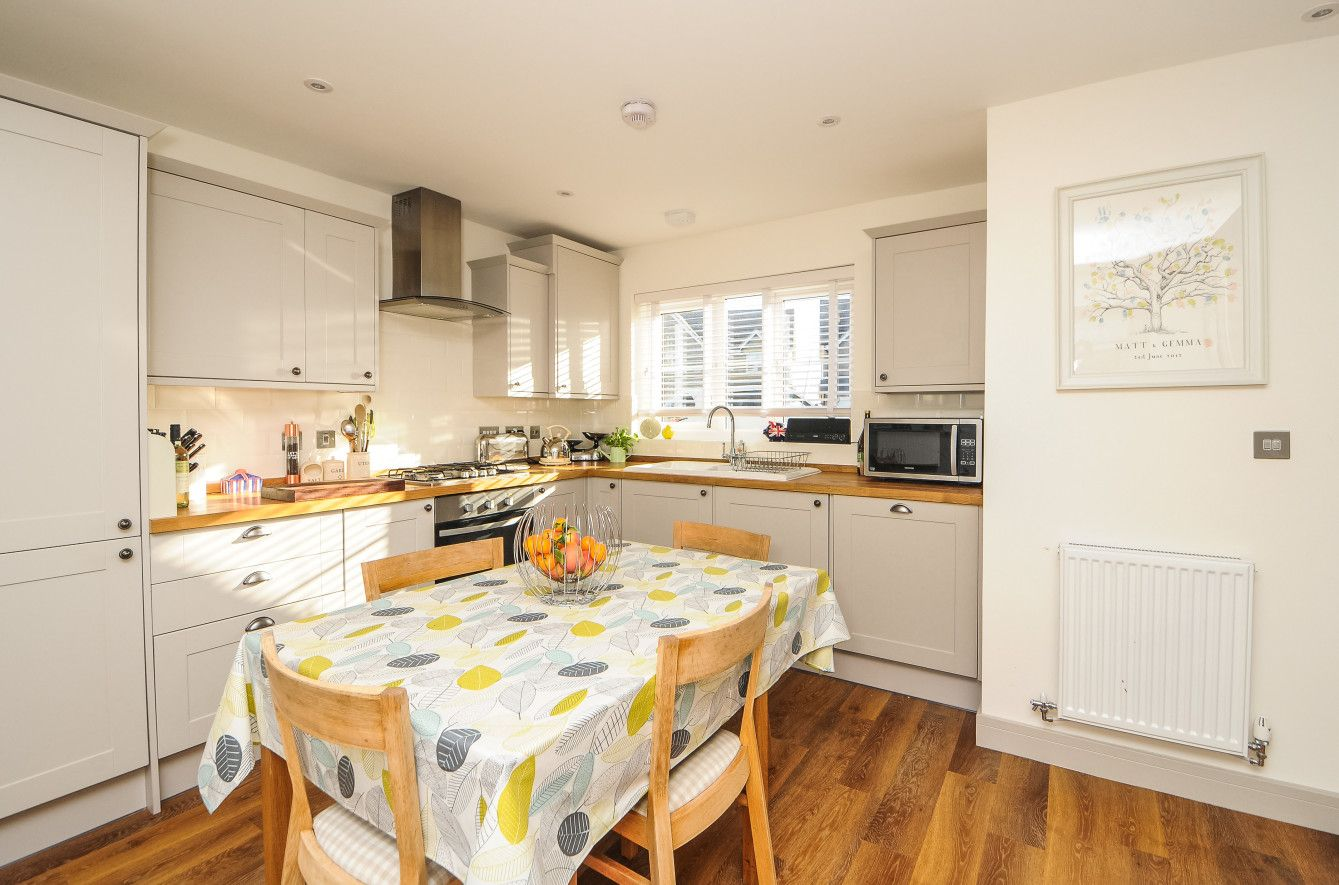 The Ferndale Woodlands Burford Stone Kitchen With Solid