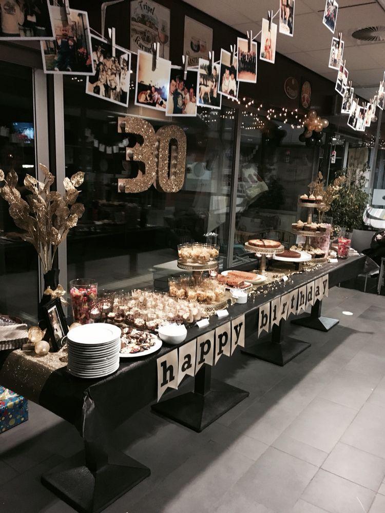 Dessertbuffet black  gold erwachsenen party men th birthday parties also simple and white ideas julia rh pinterest