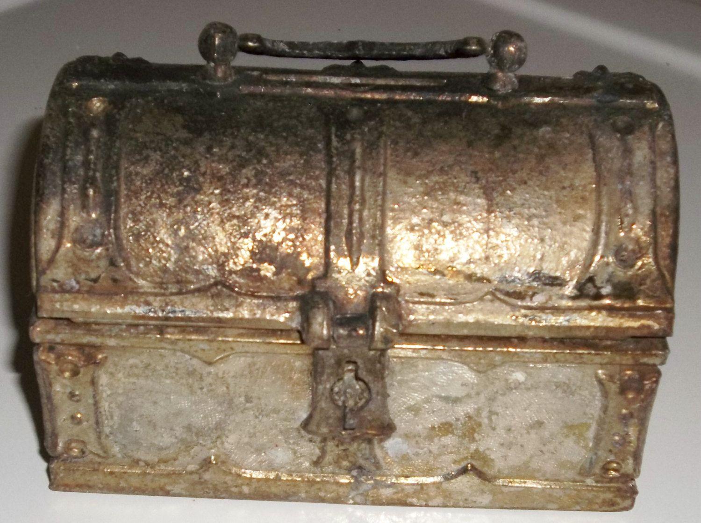 Vintage 50 S Metal Pirates Treasure Chest Steampunk