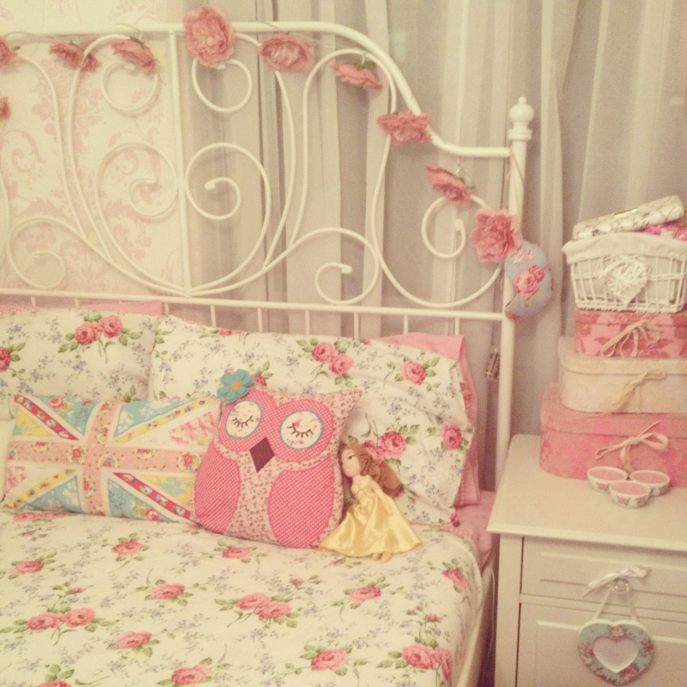 Shabby Chic Childrens Bedroom Furniture My Shabby Chic Vintage Country Cottage Bedroom Laura Ashley