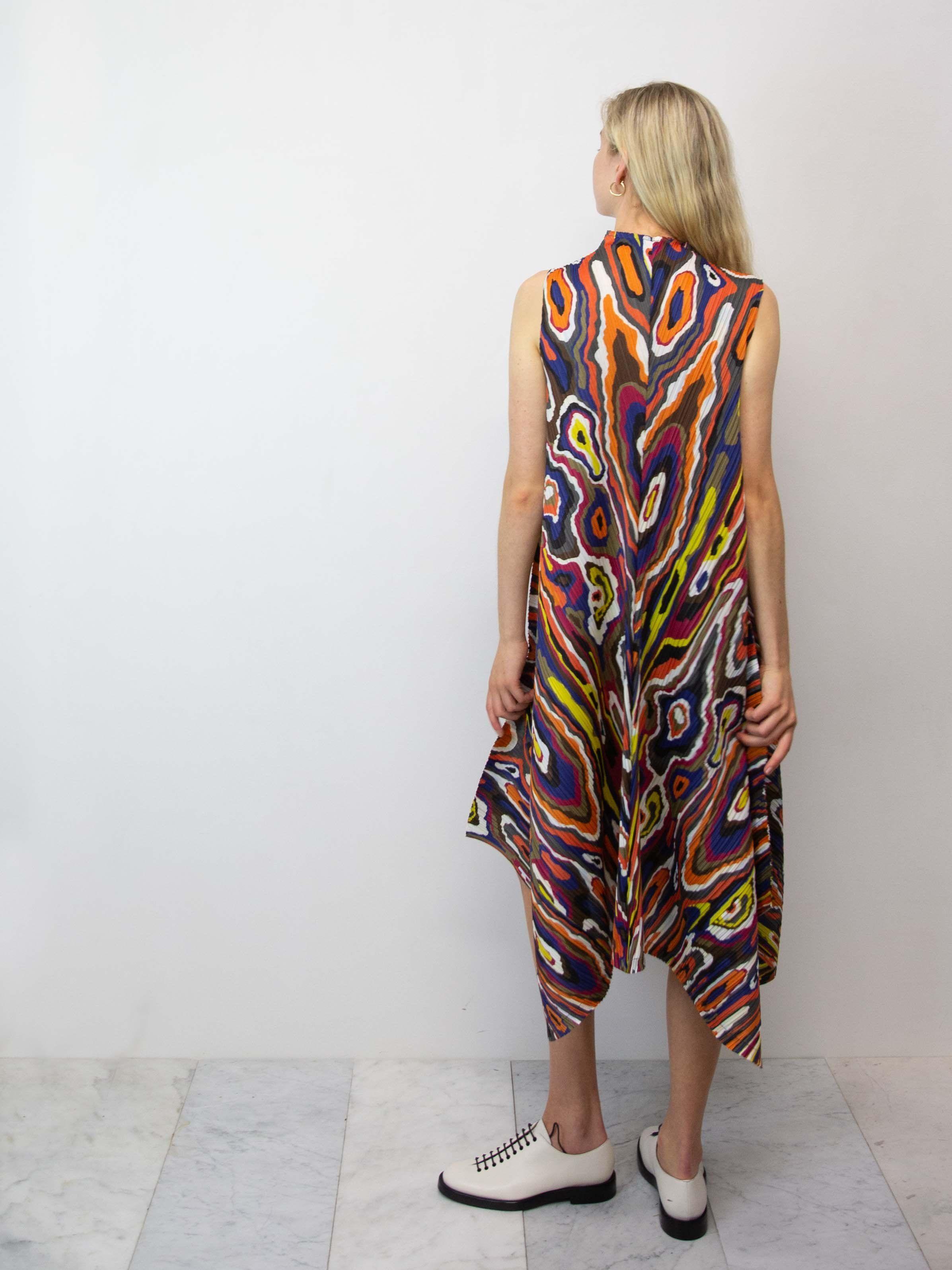37a14218f907c PLEATS PLEASE ISSEY MIYAKE Wooden Pattern Dress in 2019 | mo | Dress ...