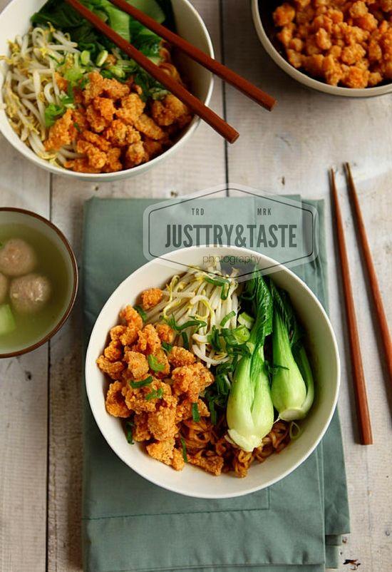 Resep Mie Yamin Dengan Ayam Crispy Makan Malam Resep Makanan Asia Resep Masakan