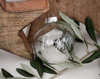Personalisierte Baumkugel mit Namen in schwarz, weiß oder Glas | personalisierte Weihnachtsdeko | Weihnachtsbaum | Weihnachten | Ornament #weihnachtsdekoimglasmitkugeln