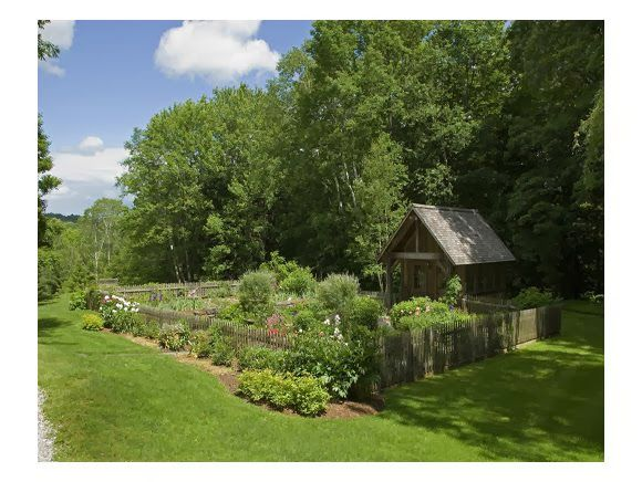 simply vintageous...by Suzan: I WANNA live there Wednesday # 61 fabulous country garden