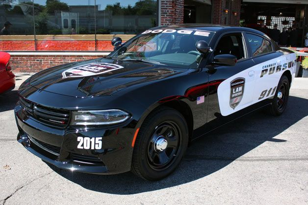 2015 Dodge Charger Pursuit Prepares To Keep Hellcats In Line With Images Police Cars Dodge Charger 2015 Dodge Charger
