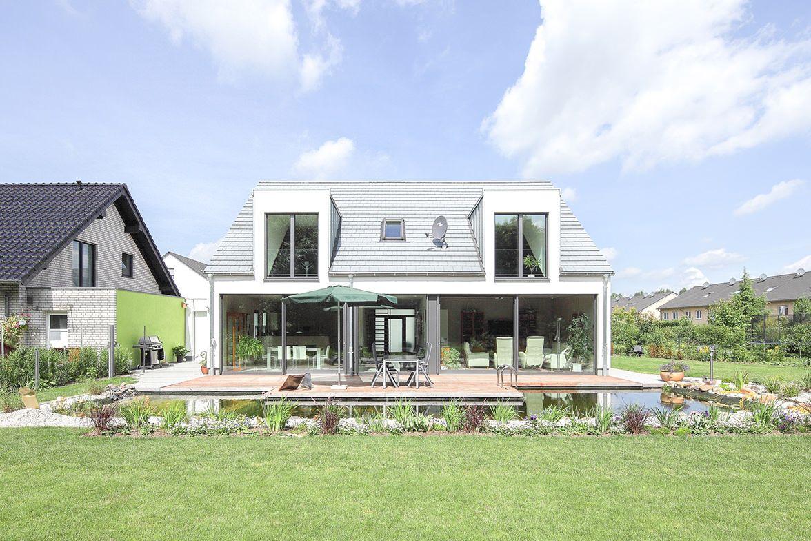 Bauhausstil haus kleine häuser moderne häuser ausbau renovierung architektur glas wohnen gaube