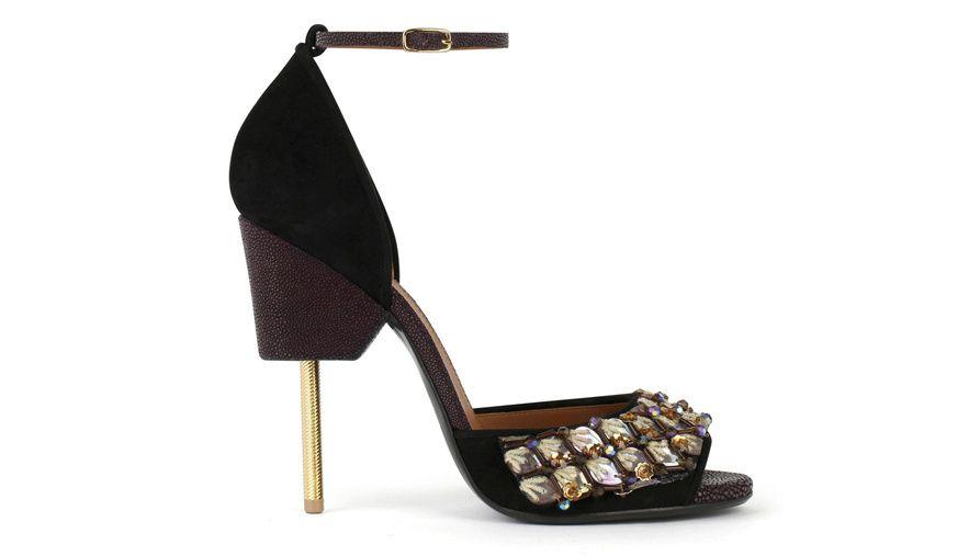 Givenchy shopping chaussures escarpins sandales de Noel fetes http://www.vogue.fr/mode/shopping/diaporama/20-chaussures-tendances-de-soiree-pour-les-fetes/21685/image/1125283