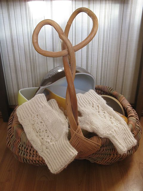 Knit Lacy Fingerless Gloves