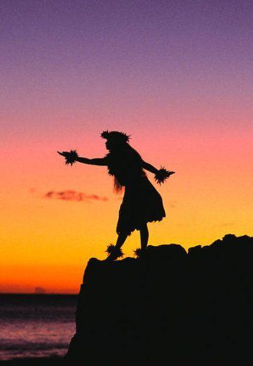 Wahine Hula Dancer | 旅行、タヒチ、タヒチアンダンス