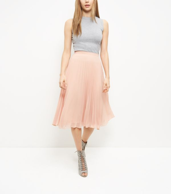 9234646a78 Shell Pink Chiffon Pleated Midi Skirt | Get In My Closet! | Pleated ...