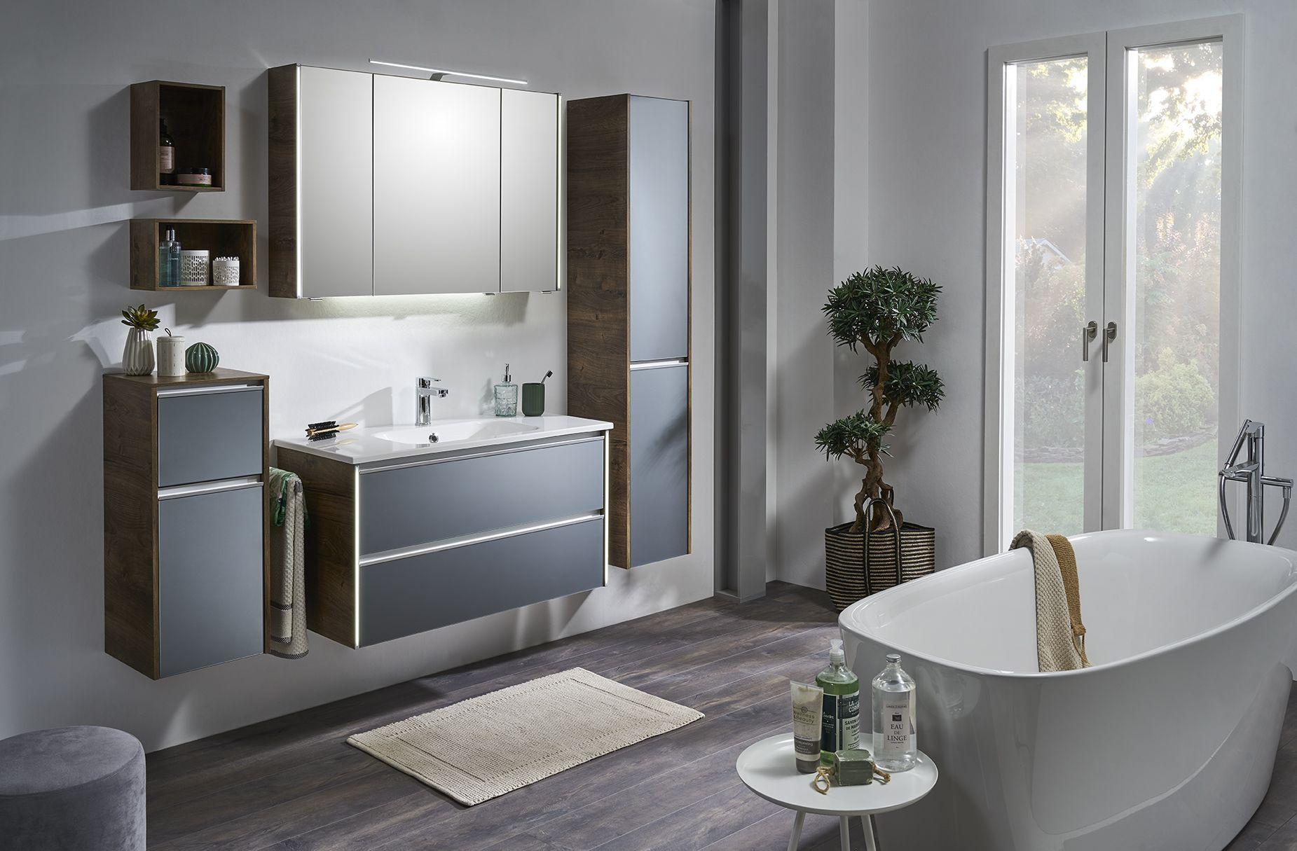 Pin von Aquarell-Badmöbel auf Bordeaux in 20  Badezimmer
