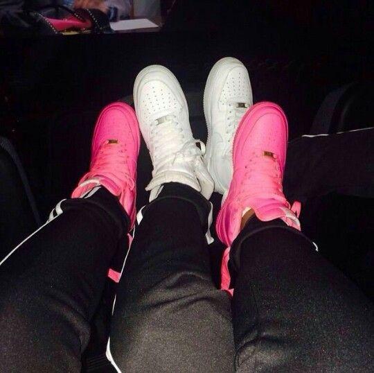 Pink \u0026 White Nike Air Force 1's | Parejas