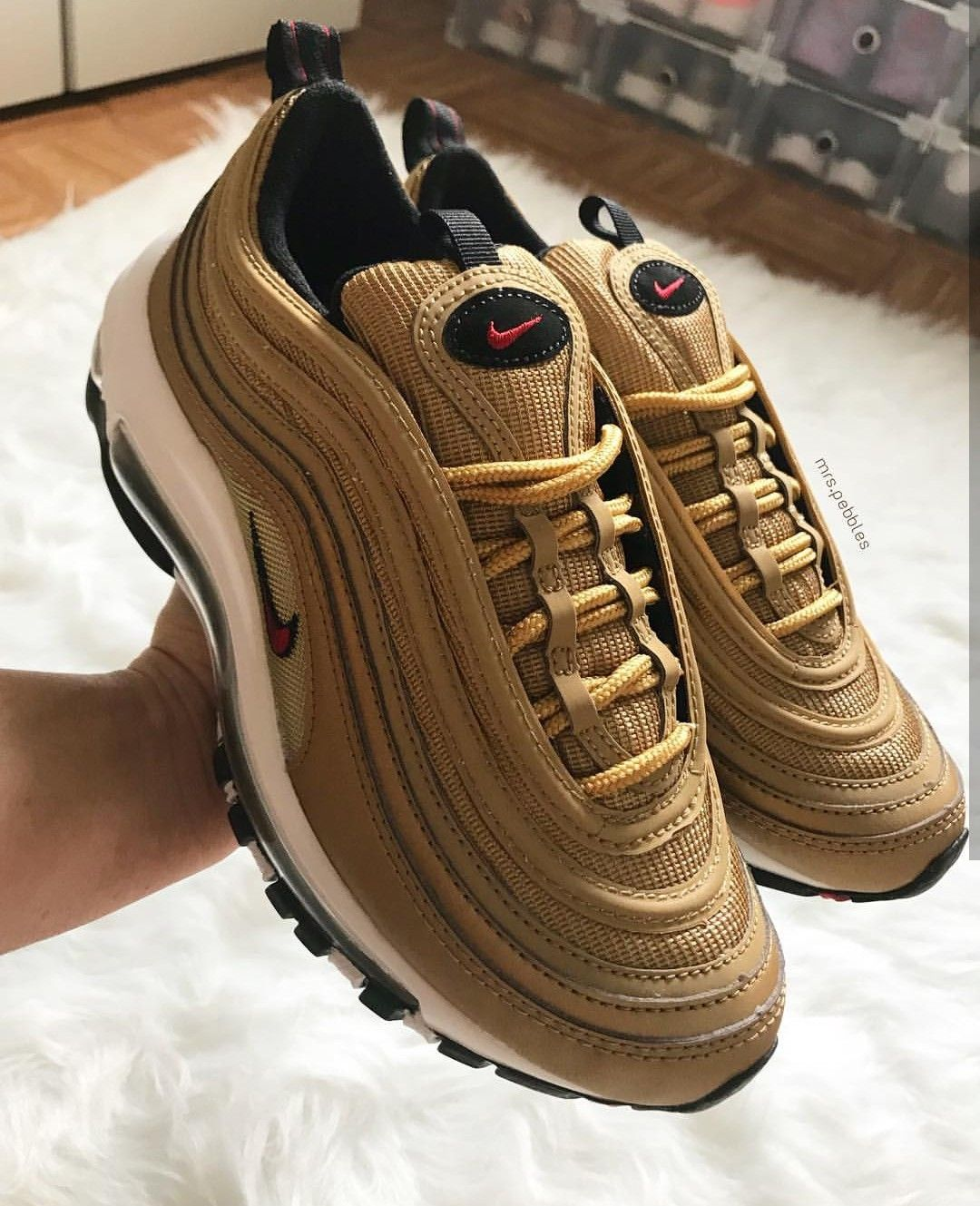 competitive price 3a815 d9054 Nike Air Max 97 in gold schwarz   red swoosh    Foto  mrs.pebbles  Instagram