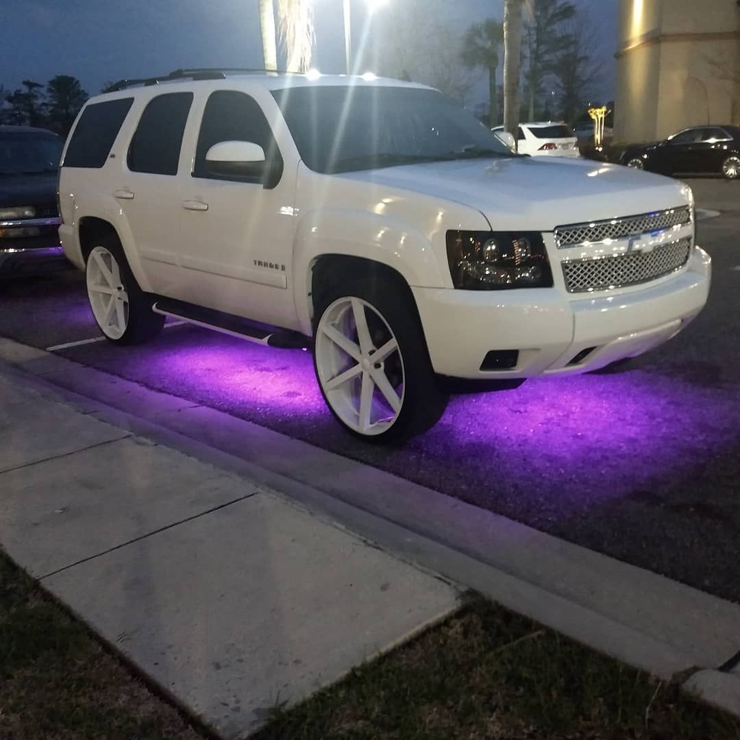 2010 Chevy Tahoe Z71 Fully Loaded With 26 U2s Underglow Lights And