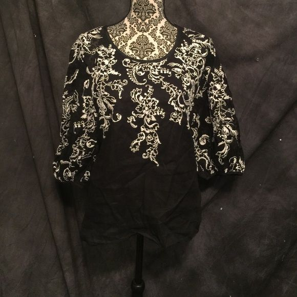 Embroidered top Blk/white Sz 6 Embroidered top Blk/white Sz 6. From Anthropologie. Anthropologie Tops Blouses