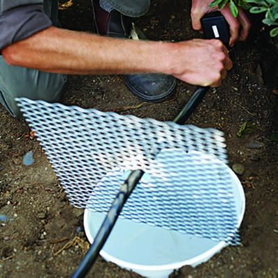 Step by step build a soothing fountain garden outside for Estanque de agua potable easy
