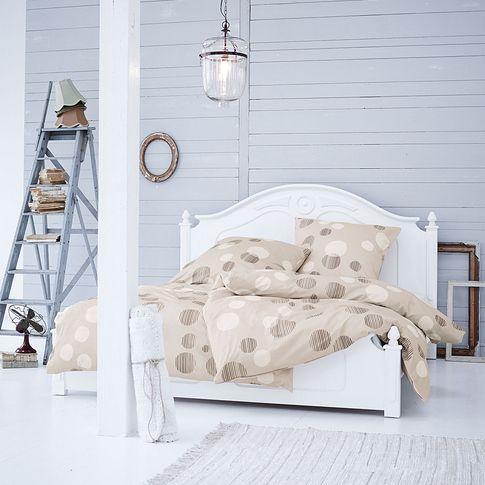 bett aus holz in wei von maravilla bei impressionen. Black Bedroom Furniture Sets. Home Design Ideas