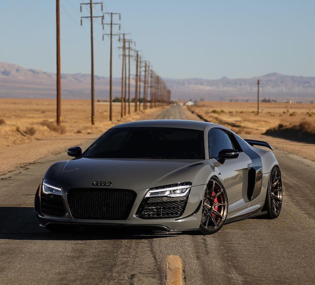 military green audi r8 cars pictures cars. Black Bedroom Furniture Sets. Home Design Ideas