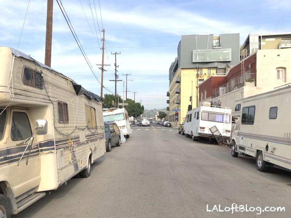 California Exodus Middle Class Moves Out Of Ca As Homeless Move Into Los Angeles In 2020 Los Angeles Moving Out Free Camping