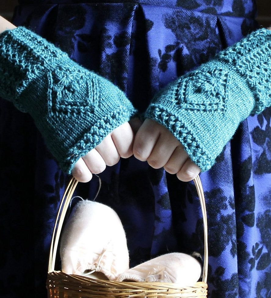 Free Knitting Pattern For Waltzing Mitts These Fingerless Mitts