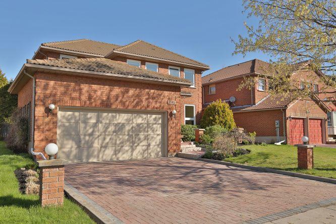 3515 Wass Crescent, Oakville, Ontario