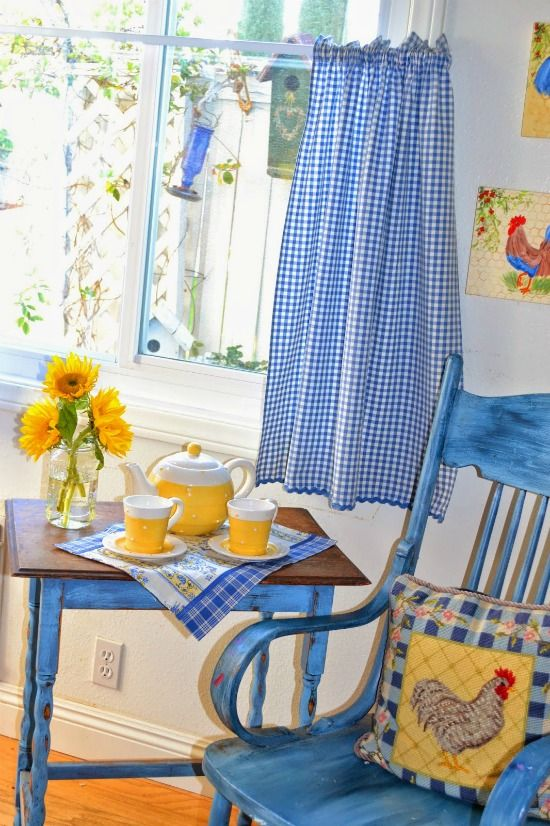 Singing The Blues With Blue Farmhouse Style Blue Yellow Kitchens