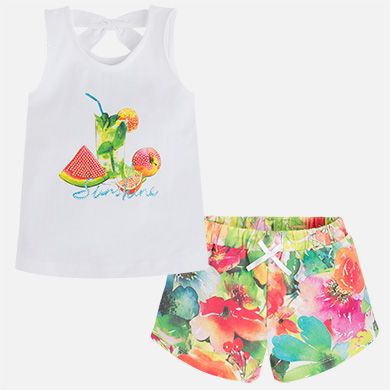 Short de niña floral camiseta manga sisa con print