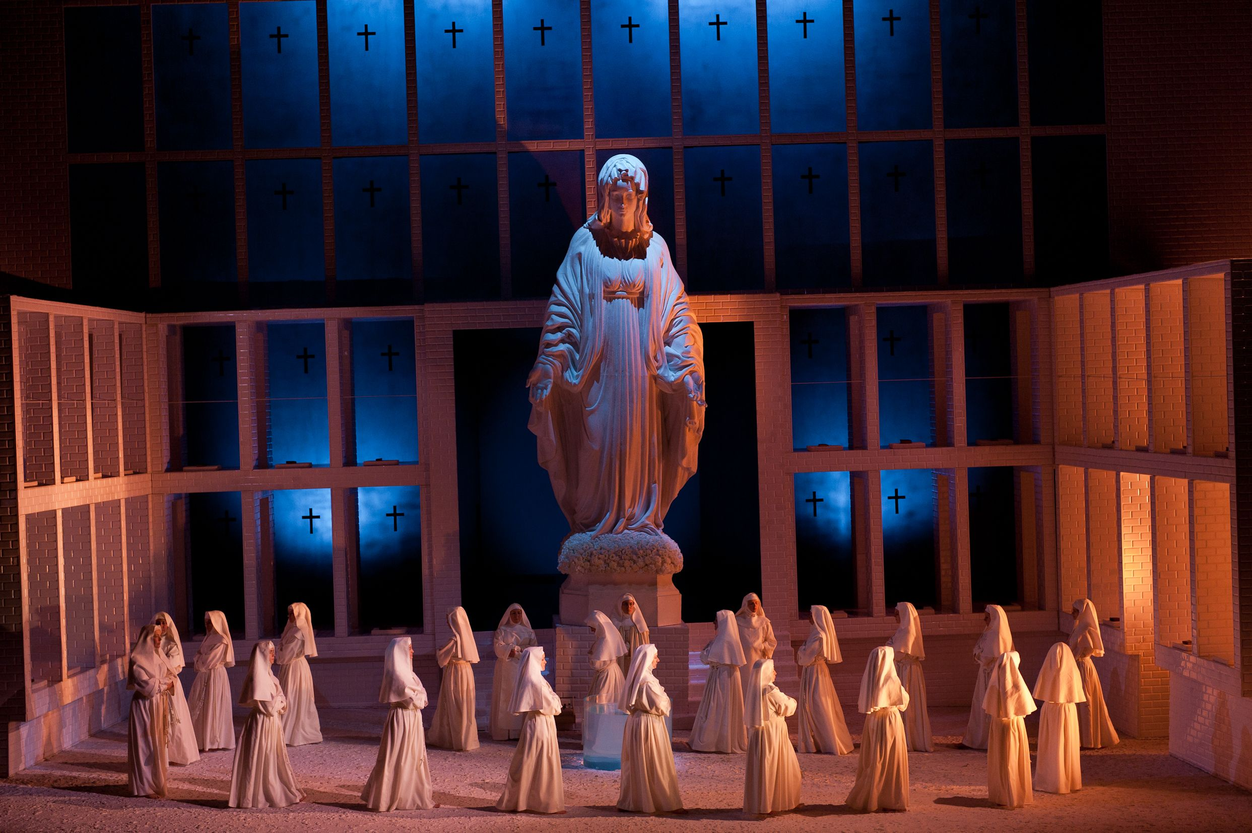 Suor Angelica from Opéra de Lyon. Production by David Pountney. Sets by Johan Engels.