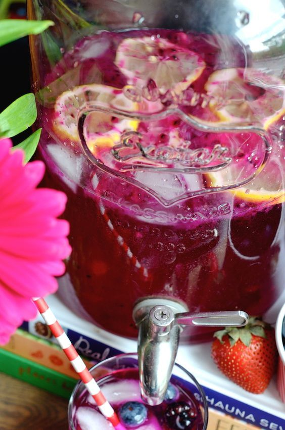 Mixed Berry Vodka Party Punch #Punch4Everybody
