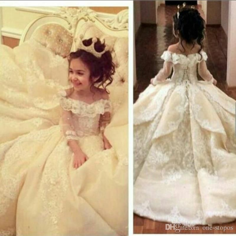 Vintage Lace Appliqued Pageant Dresses With Long Sleeves Ball Gown ...
