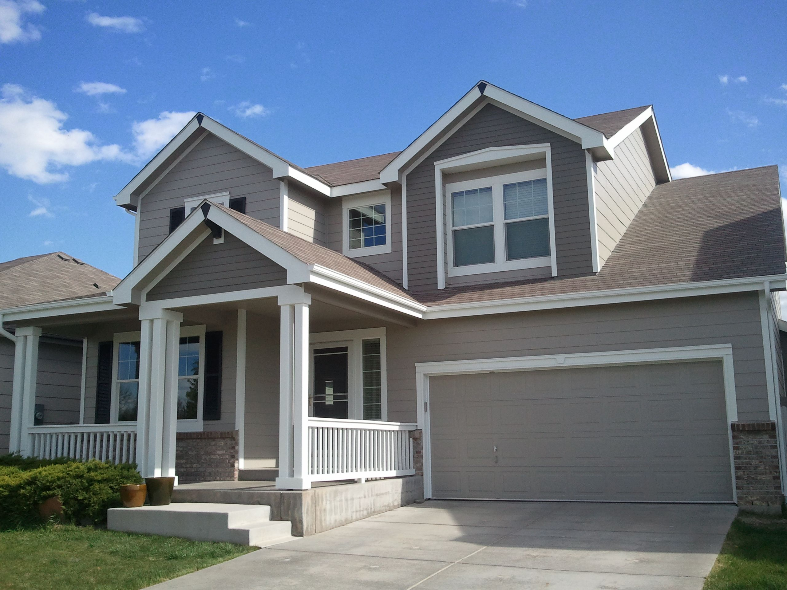Intellectual gray body super white trim anonymous gray accented popouts caviar accented for Accent colors for gray exterior