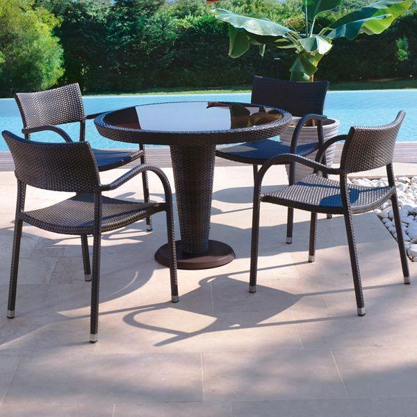Gartenmöbel und Rattanteppich - Design von Roberti Rattan #design ...