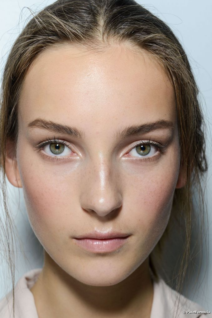 Entenda as diferenças entre a base e o BB Cream para conquistar uma pele linda em todas as ocasiões
