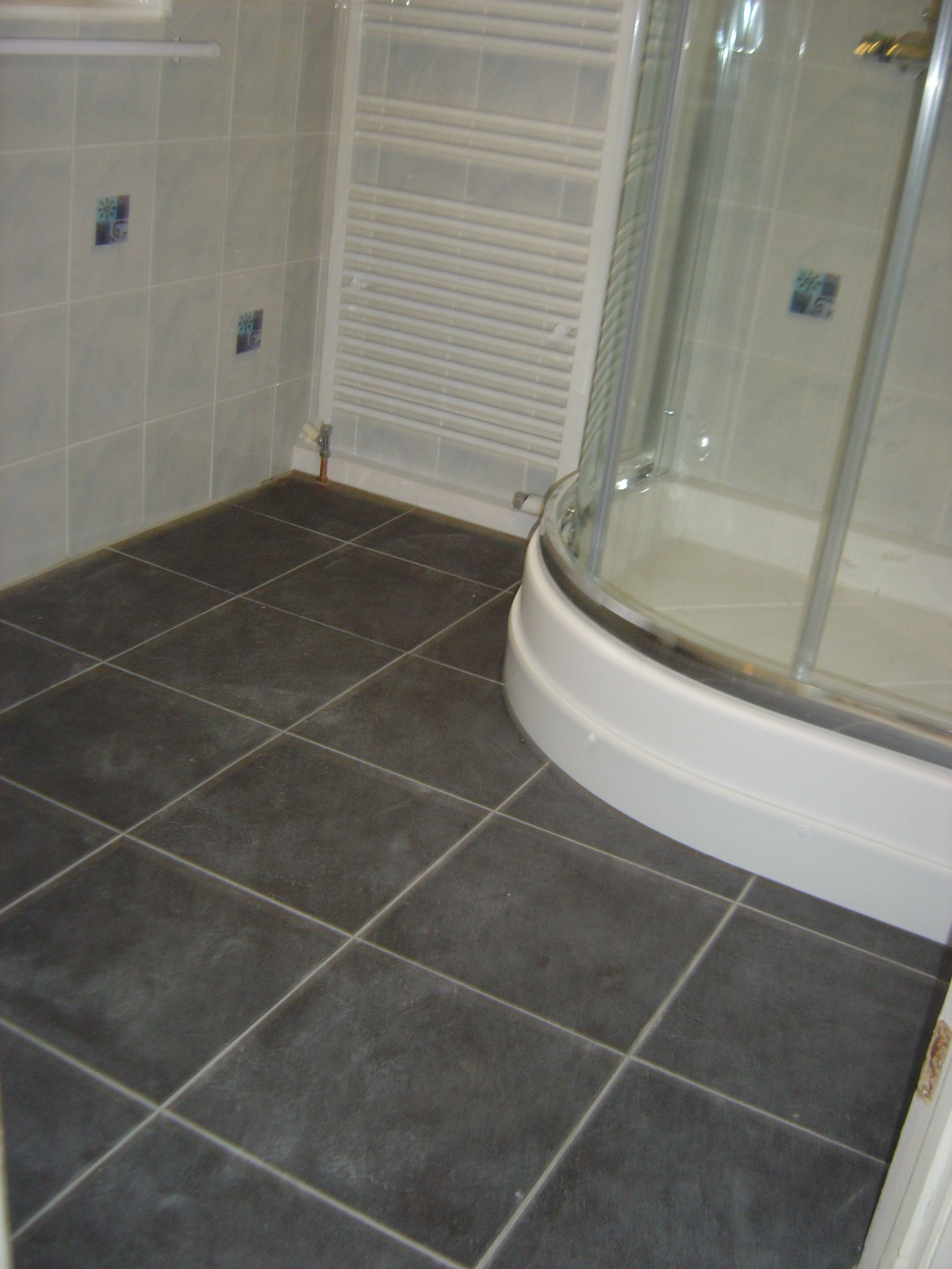 gray bathroom floor tile ideas MEMEs | Small Bathroom Remodels ...