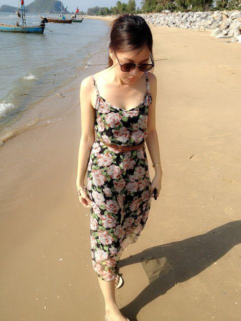 Floral dress meets the beach