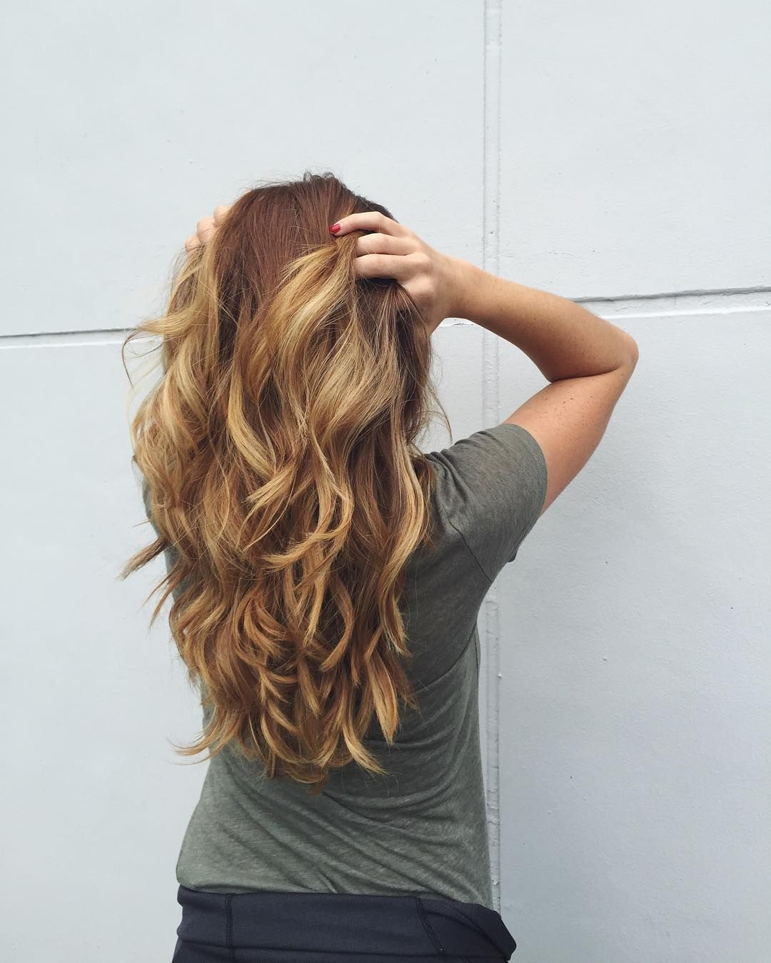 wavy honeybrowntoffeeblonde hair with layers long