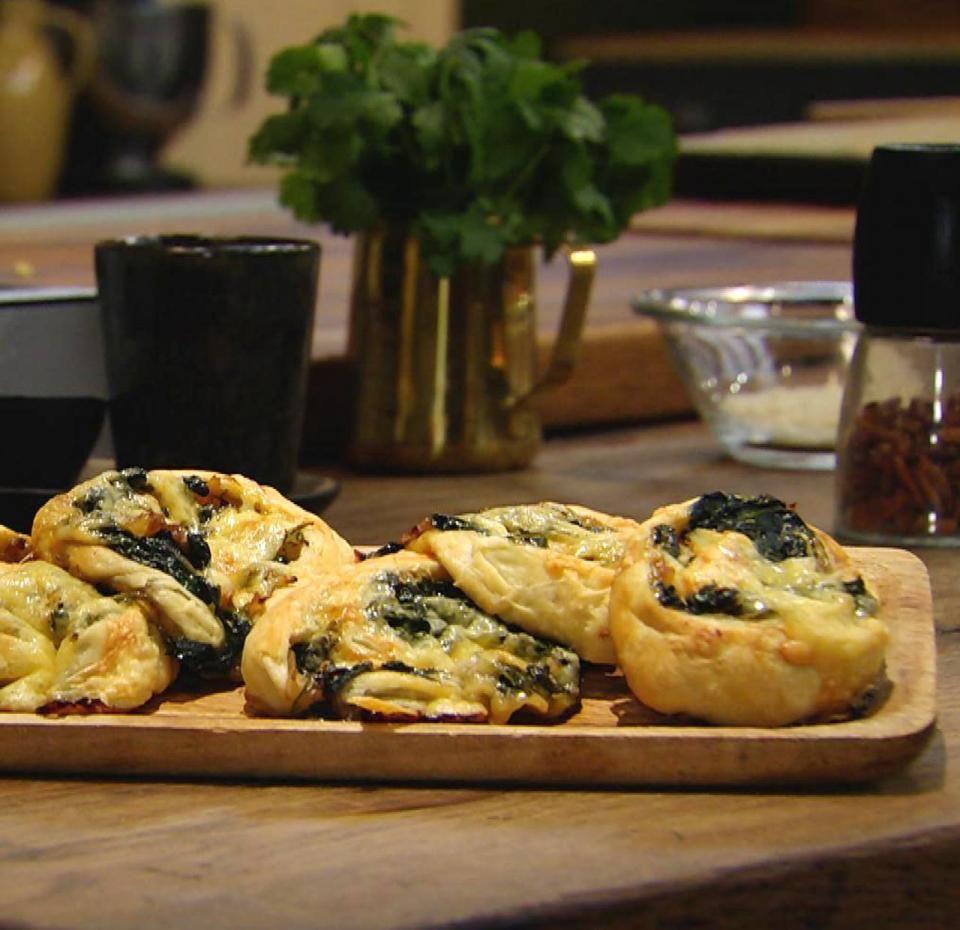 Spinatschnecken mit Blätterteig: Für jeden Tag Kochshow