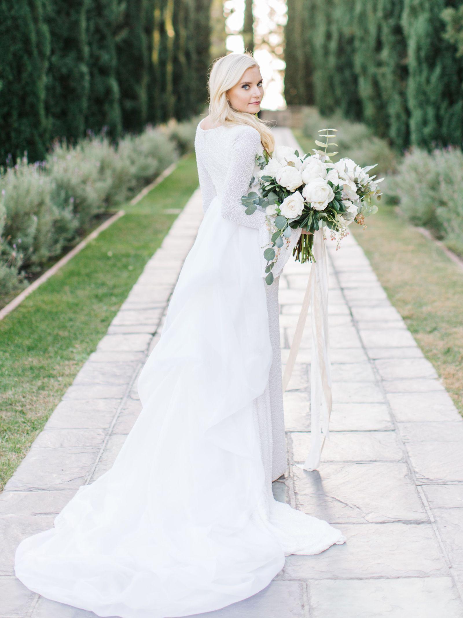 27 Elegant Winter Wedding Dresses You Can Shop Now Winter Wedding Dress Winter Wedding Outfits Wedding Dresses [ 2134 x 1600 Pixel ]