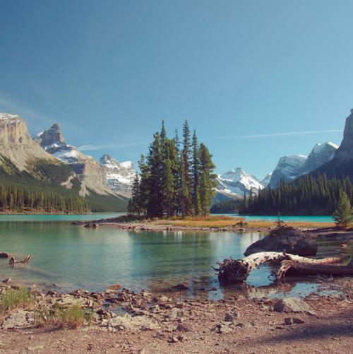 Spirit Island, Maligne Lake, Jasper National Park, Alberta, Canada    Christian Villacillo