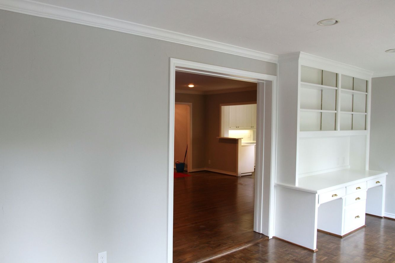 cabinets extra white sw 7006 by sherwin williams walls repose grey sw 7016 by sherwin william. Black Bedroom Furniture Sets. Home Design Ideas