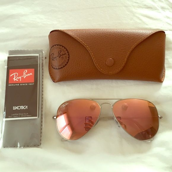 """Ray-Ban Sunglasses These are custom-made from the Ray-Ban website.  """"Copper flash"""" lenses with a silver frame.  Super cute for the summer!  I'm selling them because I received a similar pair as a gift.   Worn about 5 times, only on a vacation.  RB 3025 AVIATOR LARGE METAL 019/Z2 58014 2N Ray-Ban Accessories Sunglasses"""