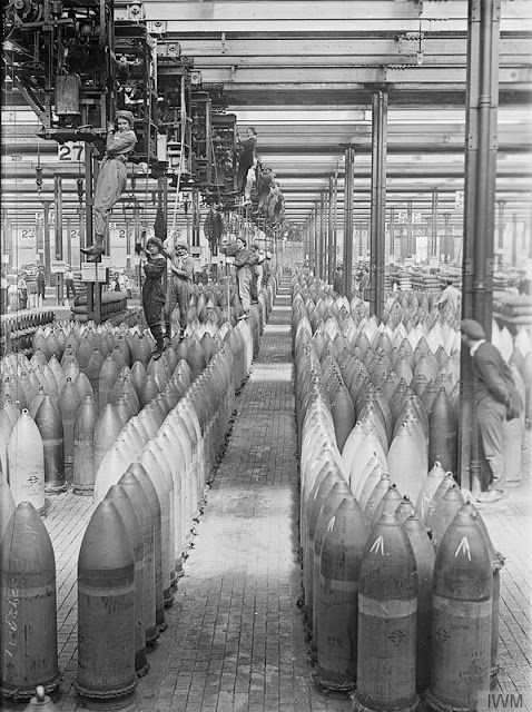 Female workers operating cranes in the National Shell Filling Factory, Chilwell, Nottingham, England, 1917