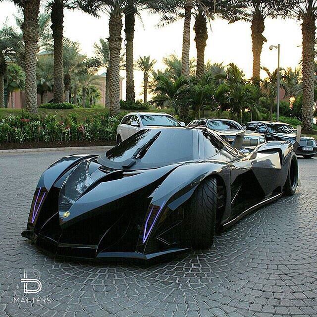 Devel Sixteen ! The Fastest Car In The World, V16 Engine 4