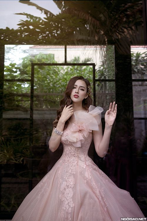 Hoang kieu wedding dresses