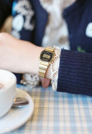 7d667e8a9f9 Gold Metal Casio Watch £40