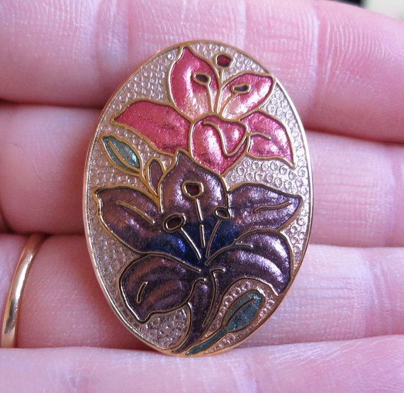 Vintage oval cloisonne enamel pink and purple flower brooch gold tone signed crown and fish (3372)