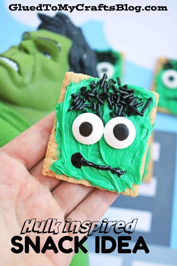 Hulk Inspired Graham Cracker Snack Idea #superherocrafts