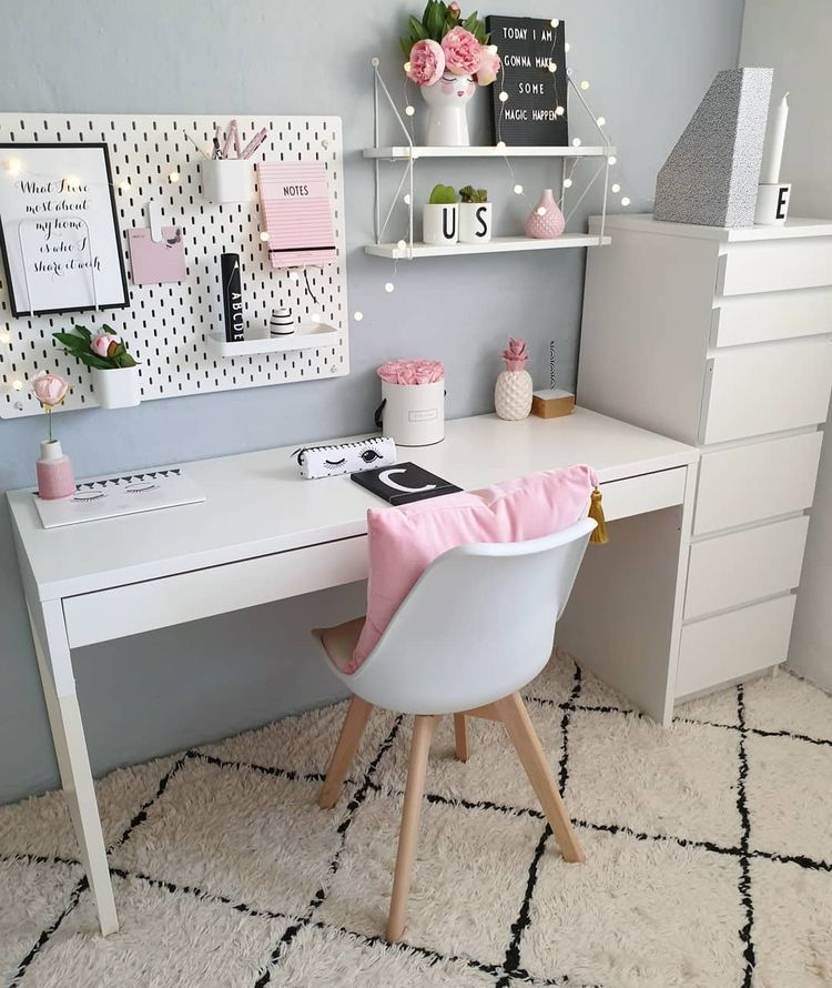 White and pink bedroom decor