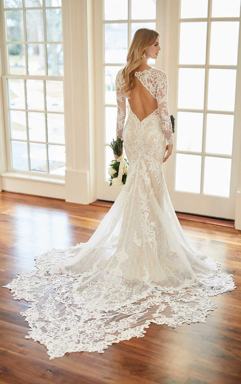 Vintage Inspired Wedding Gown With Scalloped Train Martina Liana Wedding Dress Long Sleeve Martina Liana Wedding Dress Vintage Inspired Wedding Gown [ 1563 x 980 Pixel ]