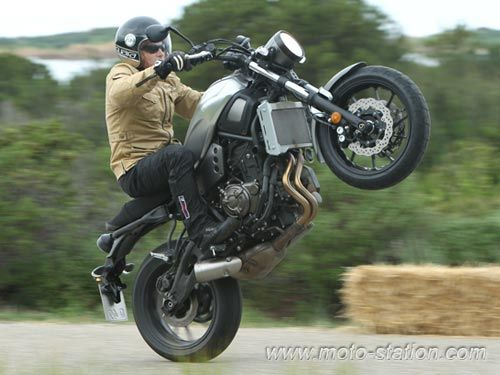 essai yamaha xsr 700 moto revue motor pinterest yamaha motorbikes motorcycle. Black Bedroom Furniture Sets. Home Design Ideas
